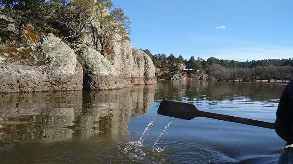 lanchas lago de arareko